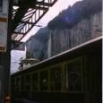 S12ラウターブルンネン駅とシュタウプバッハの滝